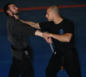 Knife Defence
